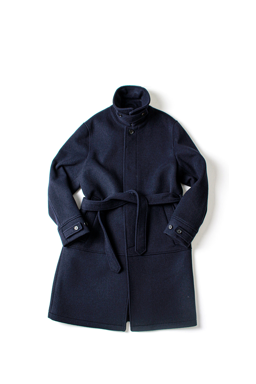 [Ourselves] BELTED MAC COAT (MIDNIGHT NAVY)